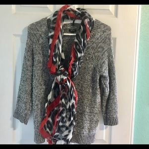 Classic Gray sweater w Beautiful Scarf Red details